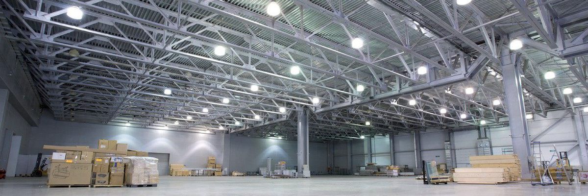 Solutions d'éclairage LED pour l'industrie : highbays, réglettes étanches, tubes, projecteurs…